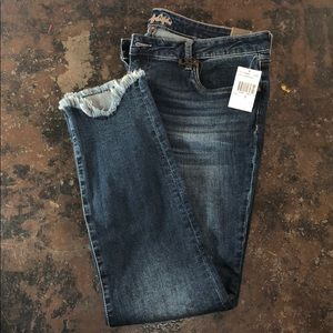 Fringe bottom jeans